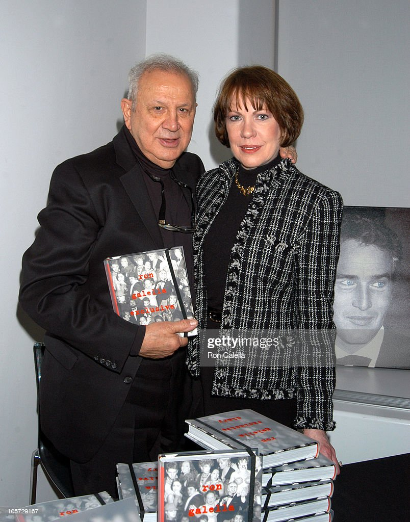 "Ron Galella Book Signing for ""Ron Galella Exclusive Diary"" at WireImage Studio : News Photo"