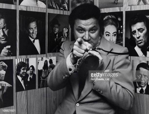 Ron Galella during Ron Galella Nikon Gallery Exhibition April 1 1975 at Nikon Gallery in New York City New York United States