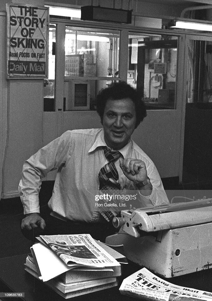 Ron Galella Sighting at London's Daily Mail Newsroom - September 30, 1976 : News Photo