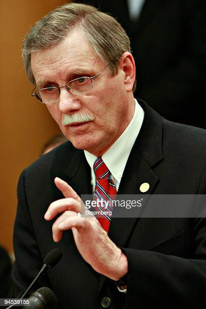Ron Gettelfinger president of the United Automobile Workers Union speaks during a news conference in Dearborn Michigan US on Wednesday Dec 16 2009...