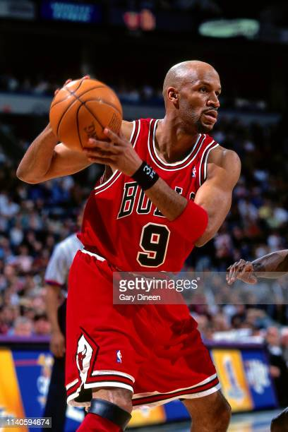 Ron Harper of the Milwaukee Bucks shoots the ball during the game against the Chicago Bulls on March 29 1998 at the BMO Harris Bradley Center in...