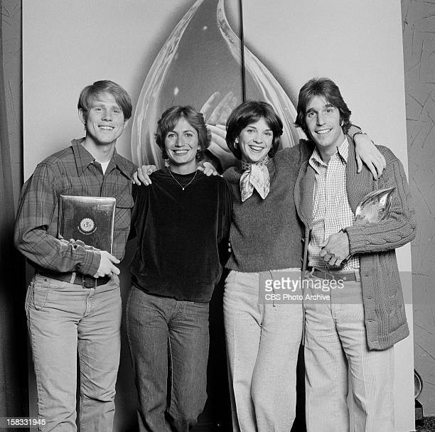 Ron Howard Penny Marshall Cindy Williams and Henry Winkler at the 1977 People's Choice Awards Happy Days won for Favorite Television comedy Program...