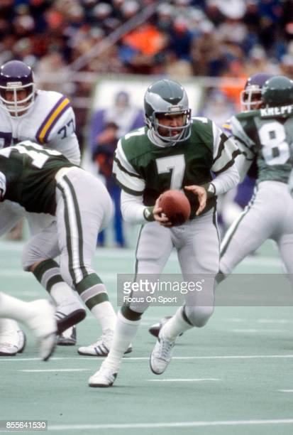 Ron Jaworski of the Philadelphia Eagles in action against the Minnesota Vikings during an NFL football game circa 1981 at Veterans Stadium in...