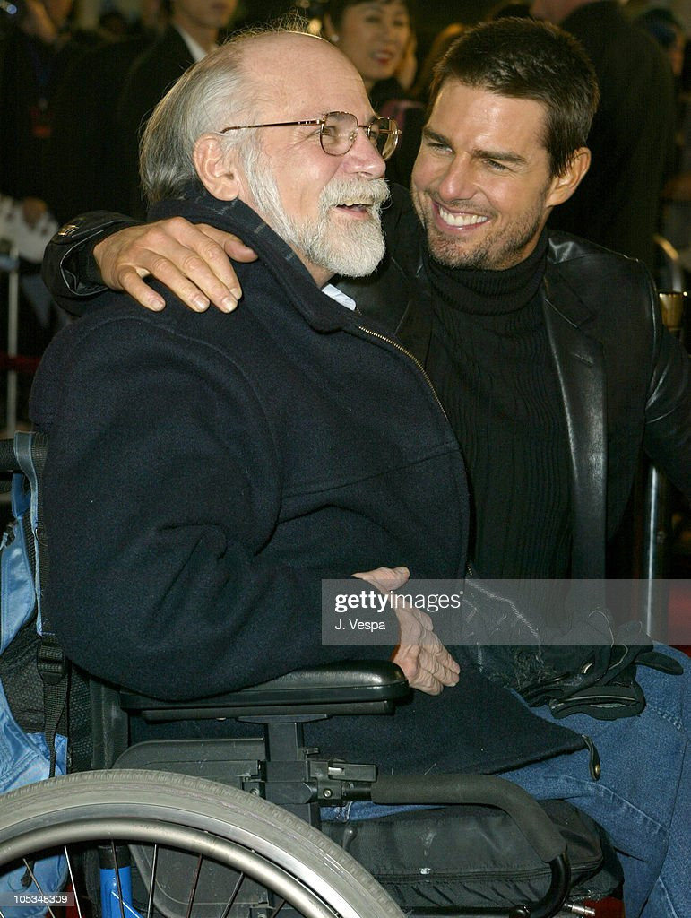 Ron Kovic And Tom Cruise During The Last Samurai Los