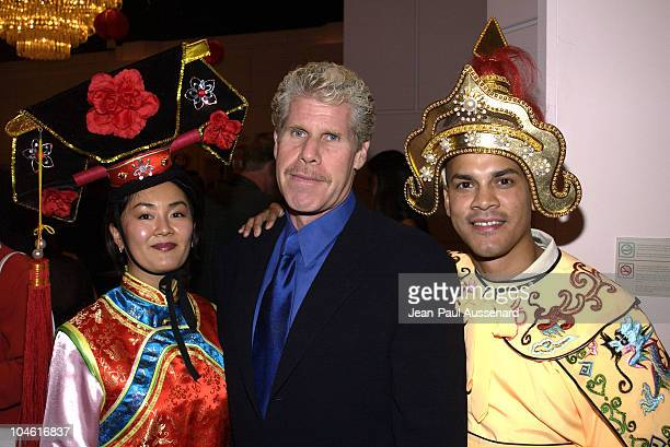 Ron Perlman and American Heart Association volunteers