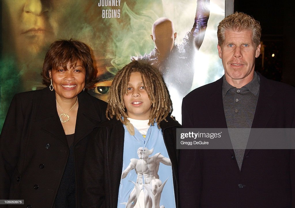 """Star Trek: Nemesis"" World Premiere : News Photo"
