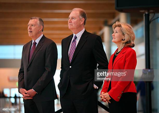 Ron Ricks executive vice president and chief legal and regulatory officer for Southwest Airlines Co from left Gary Kelly president and chief...
