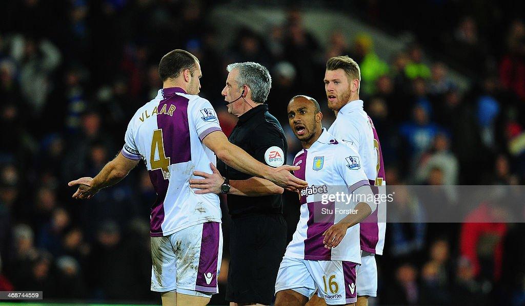 Cardiff City v Aston Villa - Premier League : News Photo
