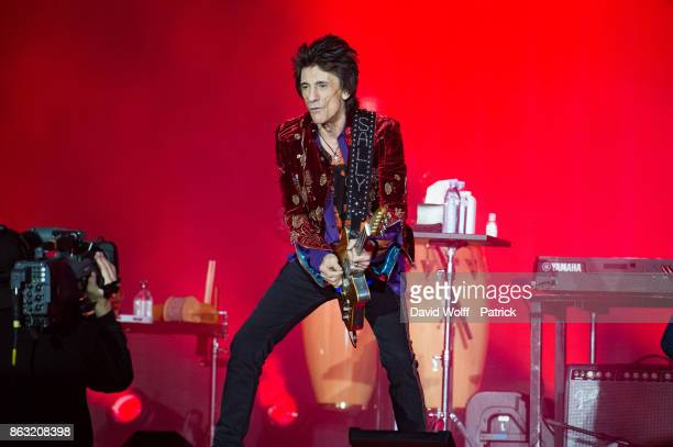 Ron Wood from The Rolling Stones performs at U Arena on October 19 2017 in Nanterre France