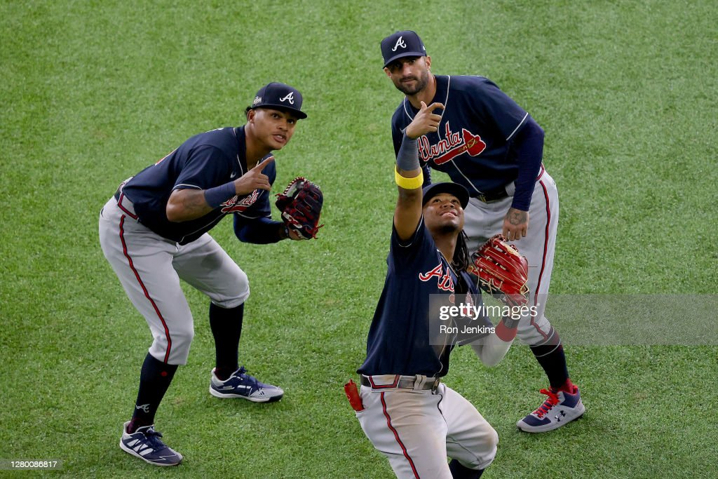 League Championship - Atlanta Braves v Los Angeles Dodgers - Game Two : News Photo