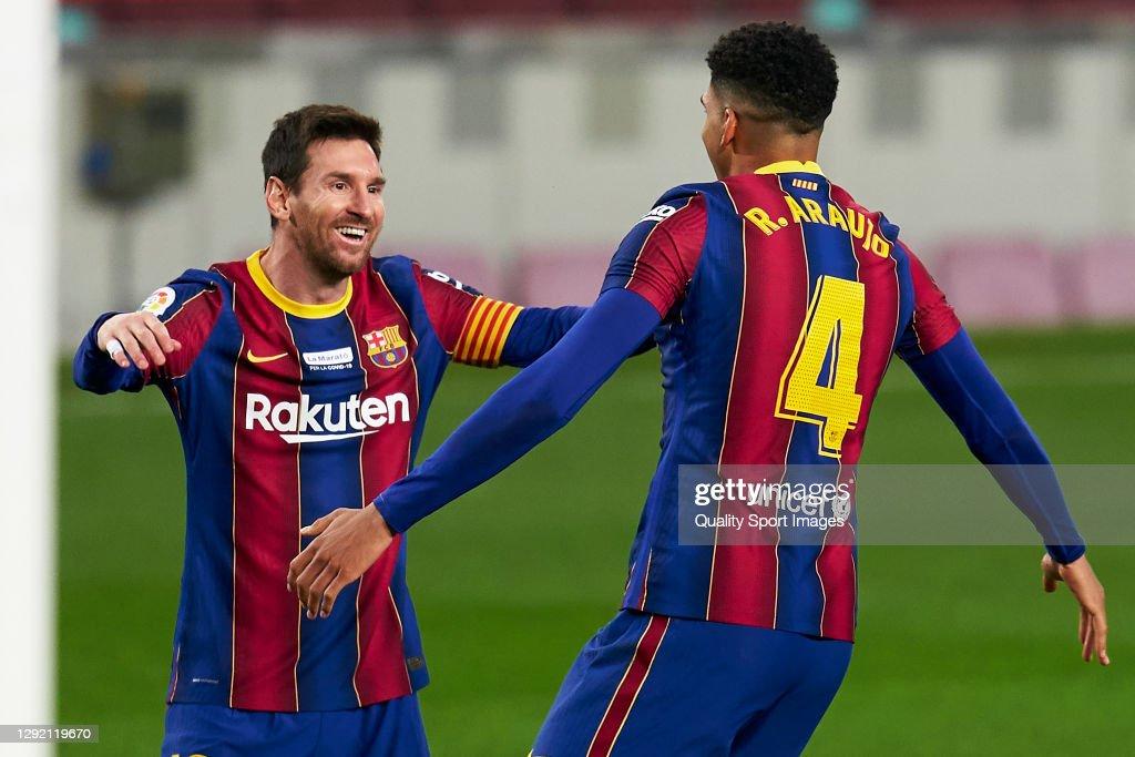FC Barcelona v Valencia CF - La Liga Santander : News Photo
