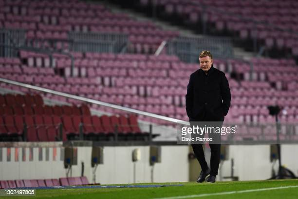 Ronald Koeman, Head Coach of FC Barcelona looks on during the UEFA Champions League Round of 16 match between FC Barcelona and Paris Saint-Germain at...