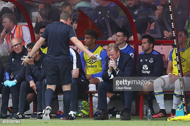 Ronald Koeman manager of Everton reacts on the bench during the Premier League match between AFC Bournemouth and Everton at the Vitality Stadium on...