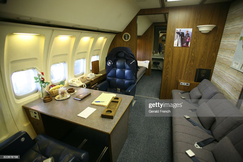 Charming Ronald Reagan Air Force One, Interior With Presidential Desk