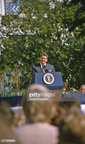 ronald reagan - us president stock pictures, royalty-free photos & images