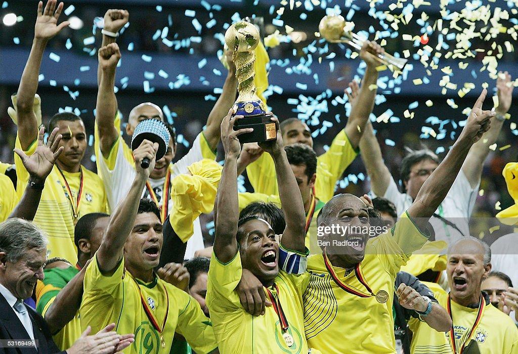 FIFA Confederations Cup 2005 Final Brazil v Argentina : ニュース写真