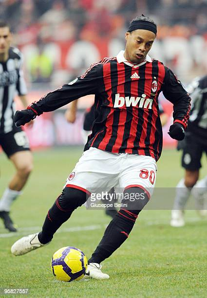 Ronaldinho of AC Milan scores the opening goal from a penalty during the Serie A match between Milan and Siena at Stadio Giuseppe Meazza on January...