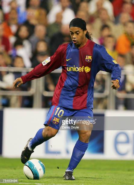 Ronaldinho of Barcelona controls the ball during the Kings Cup quarter-final 2nd leg match between Real Zaragoza and Barcelona, at the Romareda...