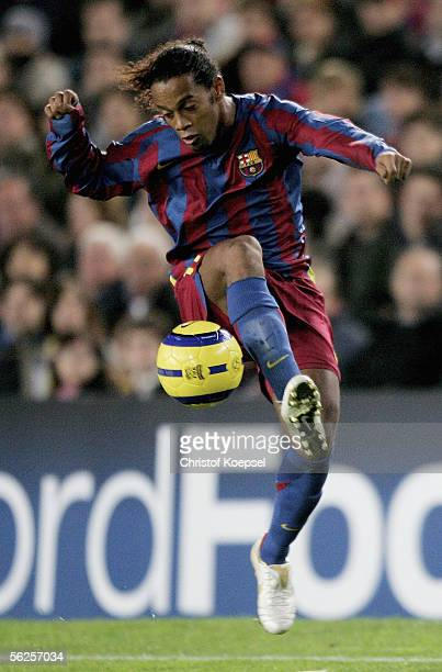Ronaldinho of Barcelona controls the ball during the UEFA Champions League Group C match between FC Barcelona and Werder Bremen at the Camp Nou...