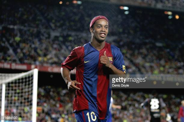 Ronaldinho of Barcelona goes to take a corner kick during the Supercup 2nd leg match against Espanyol at the Camp Nou stadium on August 20 2006 in...