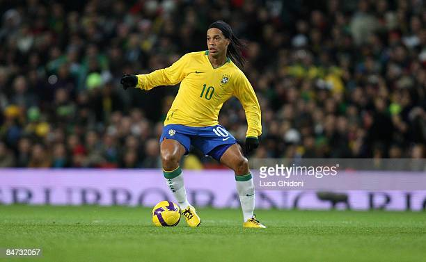Ronaldinho of Brazil in action during the international friendly match between Italy and Brazil at Emirates Stadium on February 10 2009 in London...