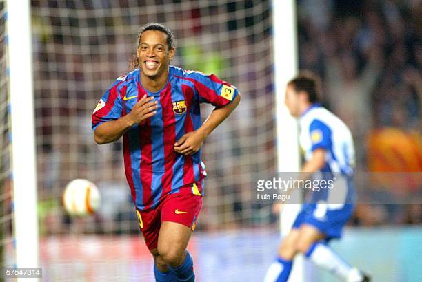 Ronaldinho of FC Barcelona cellebrating his goal during a La Liga match between FC Barcelona and Espanyol at the Camp Nou stadium on May 6 2006...