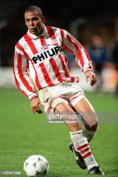 Ronaldo Luís Nazário de Lima of PSV Eindhoven in action 2003-04