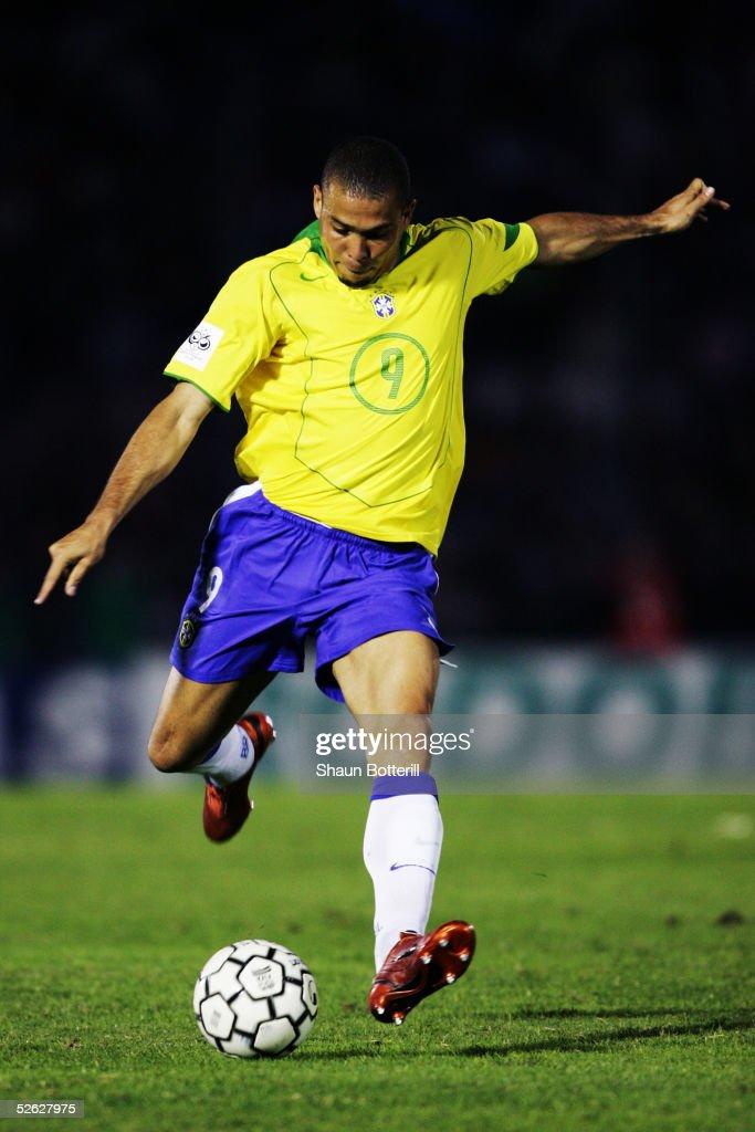 Uruguay v Brazil : ニュース写真