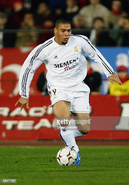 Ronaldo of Real Madrid running with the ball during the Spainish Primera league match between Real Mallorca and Real Madrid on December 21 2003 at...