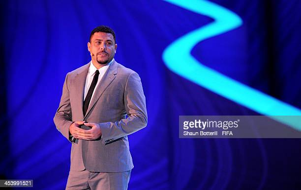 Ronaldo speaks to the audience on stage before the Final Draw for the 2014 FIFA World Cup Brazil at Costa do Sauipe Resort on December 6 2013 in...