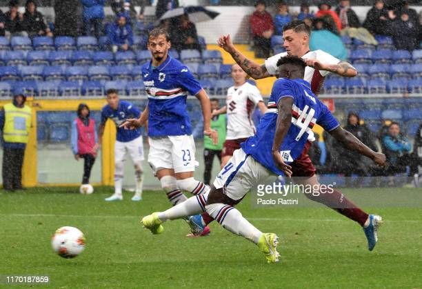 Ronaldo Vieira of UC Sampdoria in action during the Serie A match between UC Sampdoria and Torino FC at Stadio Luigi Ferraris on September 22 2019 in...