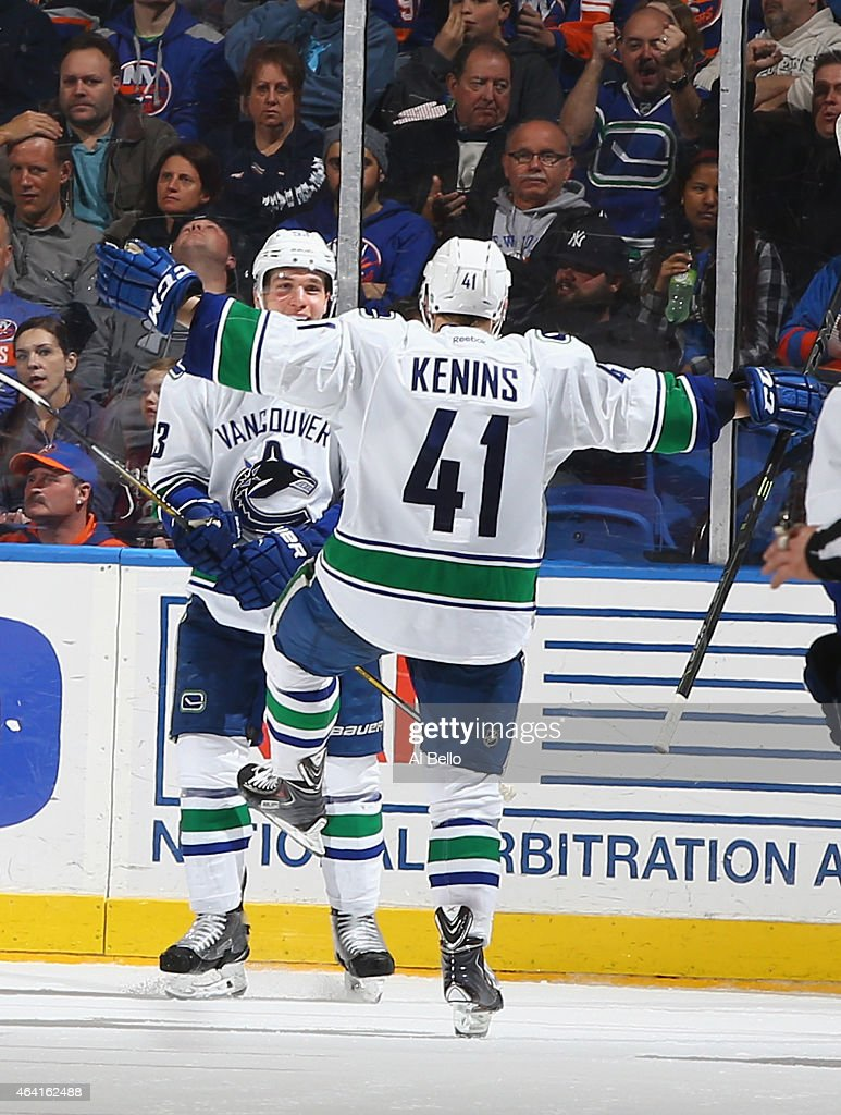 Vancouver Canucks v New York Islanders : News Photo