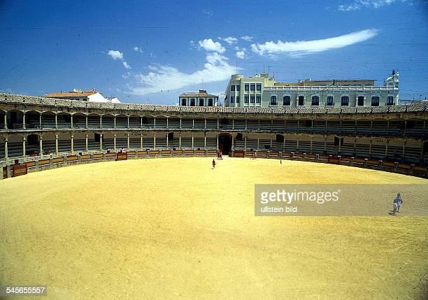 die älteste StierkampfarenaSpaniens August 1997