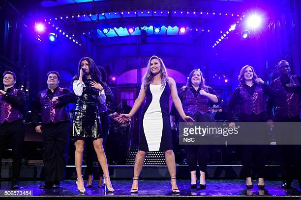 LIVE 'Ronda Rousey' Episode 1694 Pictured Jon Rudnitsky Bobby Moynihan Selena Gomez Ronda Rousey Aidy Bryant Vanessa Bayer and Jay Pharoah during the...