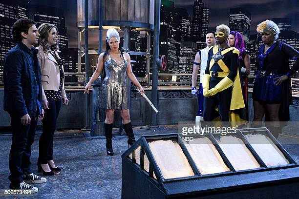 LIVE 'Ronda Rousey' Episode 1694 Pictured Kyle Mooney Vanessa Bayer Ronda Rousey Taran Killam Cecily Strong Leslie Jones and Jay Pharoah during the...