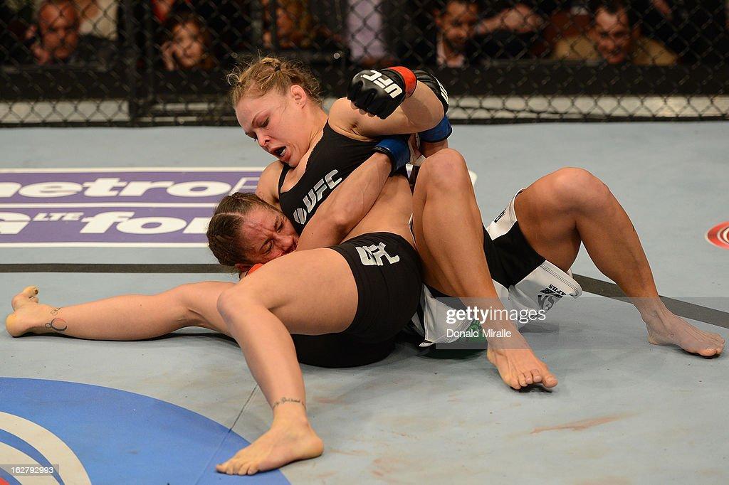 UFC 157: Rousey v Carmouche : News Photo