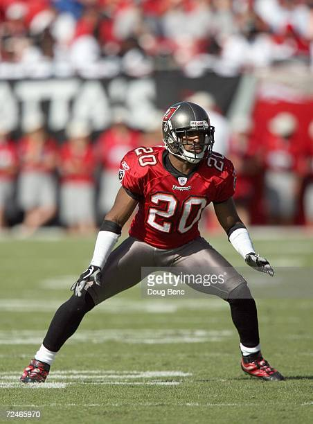 Ronde Barber of the Tampa Bay Buccaneers gets ready on the field during the game against the New Orleans Saints on November 5 2006 at Raymond James...
