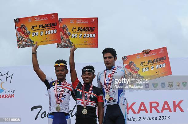 Ronnel Hualda , stage 6 Tour de Singkarak winner receives $ 2,300 cash prize. The runner-up position was achieved by Mohd. Zamri Saleh , and Hossein...