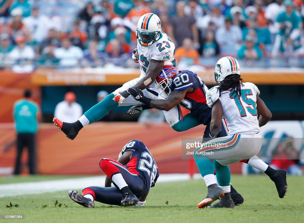 Buffalo Bills v Miami Dolphins