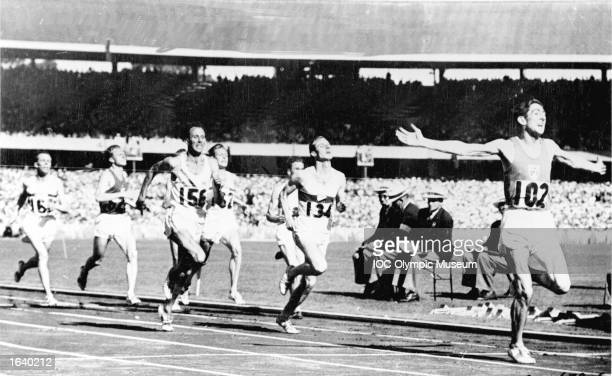 Ronnie Delany of Ireland wins the 1500 metres at the Melbourne Olympic Games of 1956 creating one of its biggest surprises and only the second Irish...