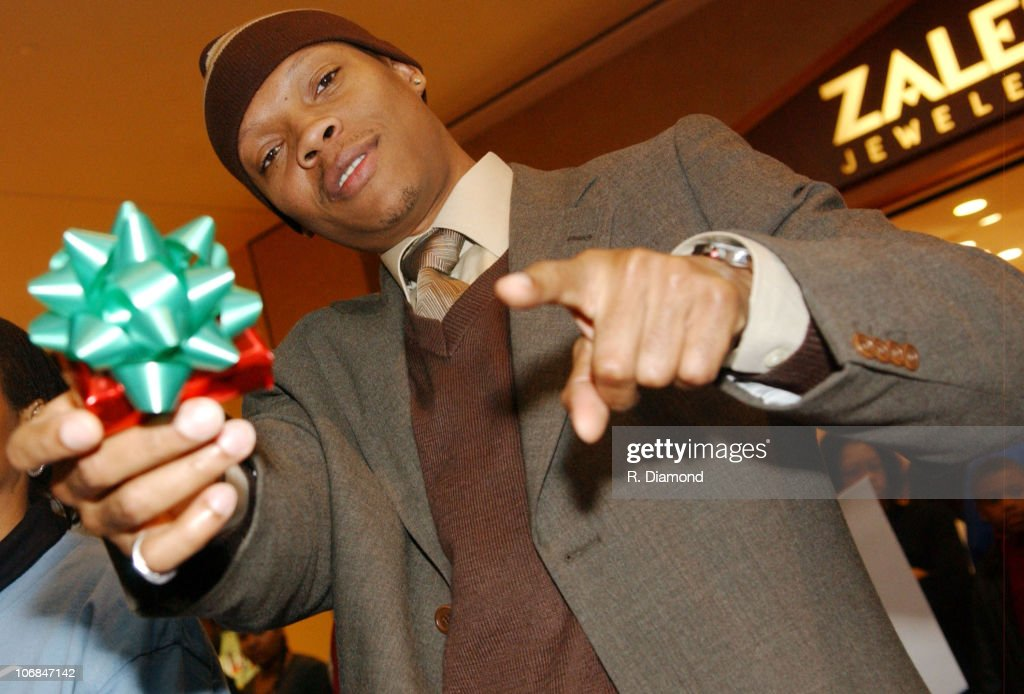 """Kenan Thompson Holiday In-Store Appearance to Benefit the Lisa """"Left Eye"""" Lopes"""