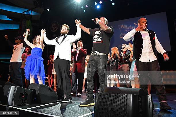 Ronnie DeVoe Lauren Miller Rogen Seth Rogen Ricky Bell and Michael Bivins of Bell Biv DaVoe perform onstage during the 3rd Annual Hilarity for...