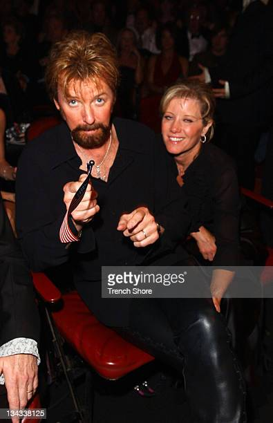 Ronnie Dunn of Brooks Dunn wife at the 37th Academy of Country Music Awards Show