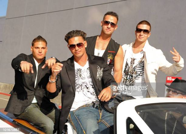 Ronnie 'Fist Pump Brah' Magro Pauly Del Vecchio Mike 'The Situation' Sorrentino and Vinny Guadagnino arrives at the 2010 MTV Movie Awards held at the...