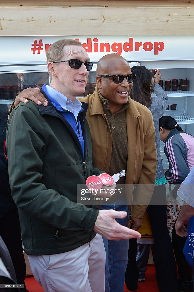 Ronnie Lott poses with fans at the JELL-O Make The Taste of Defeat Sweet on February 5, 2013 in San Francisco, California.