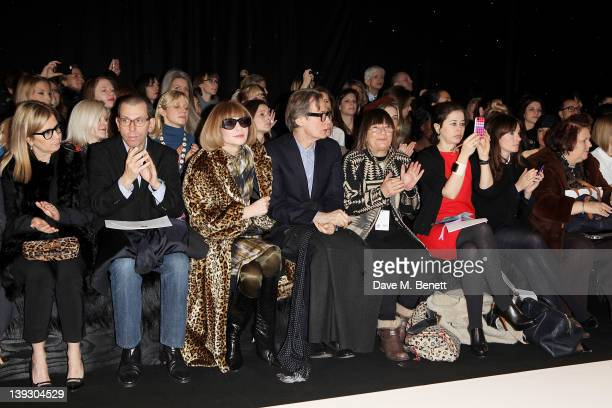 Ronnie Newhouse Jonathan Newhouse Anna Wintour Bill Nighy Hilary Alexander Lisa Armstrong Laura Craig Suzy Menkes sit in the front row at the...