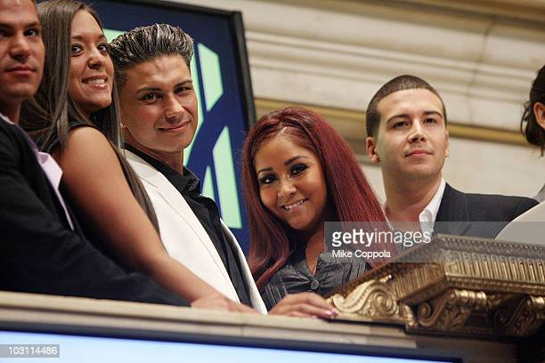 "Ronnie Ortiz-Magro, Sammi Giancola, Paul ""Pauly D"" DelVecchio, Nicole ""Snooki"" Polizzi, and Vinny Guadagnino ring the opening bell at the New York..."