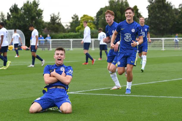 Ronnie Stutter of Chelsea scores the first goal during the Tottenham Hotspur v Chelsea U18 Premier League match at Tottenham Hotspur Training Centre...