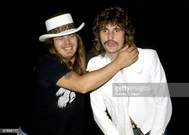 Ronnie Van Zant from Lynyrd Skynyrd and Carmine Appice posed at a party for Lynyrd Skynyrd at Nathans in New York on October 23 1976