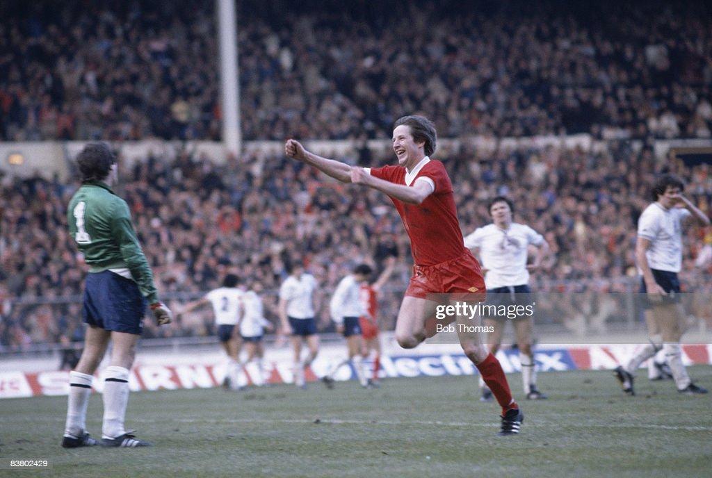 Ronnie Whelan Celebrates : News Photo